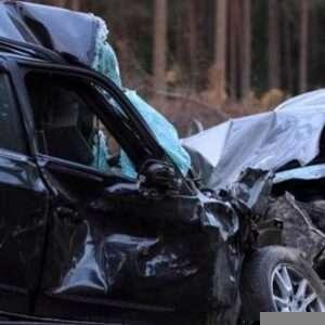 A Head on-collision crash scene