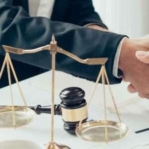 A Dublin head-on collision accident lawyer negotiates a settlement